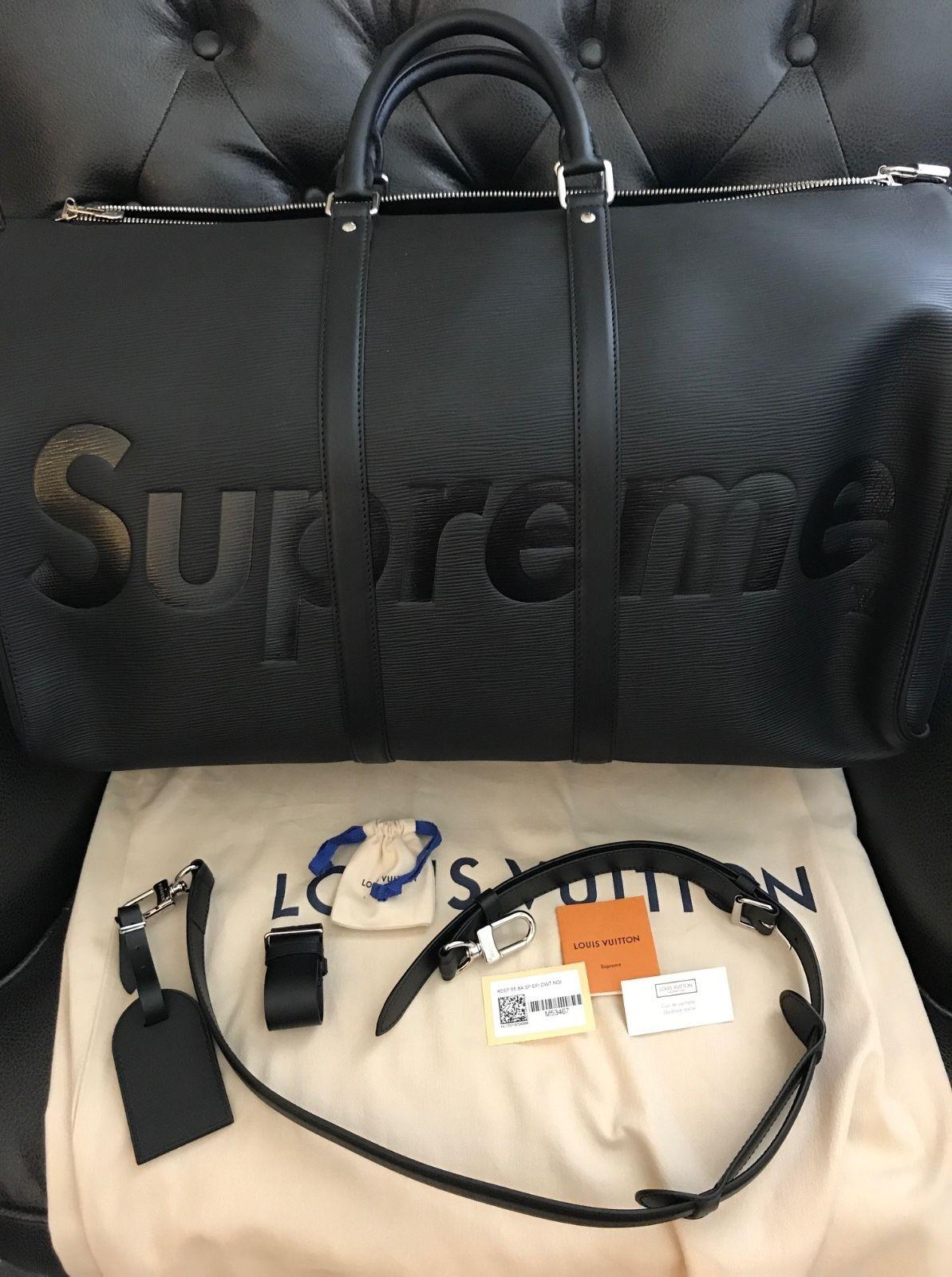 Le superbe sac bandoulière Louis Vuitton X Supreme, édition premium en cuir  noir, s est vendu à 7400  sur eBay.com. 5de84932378