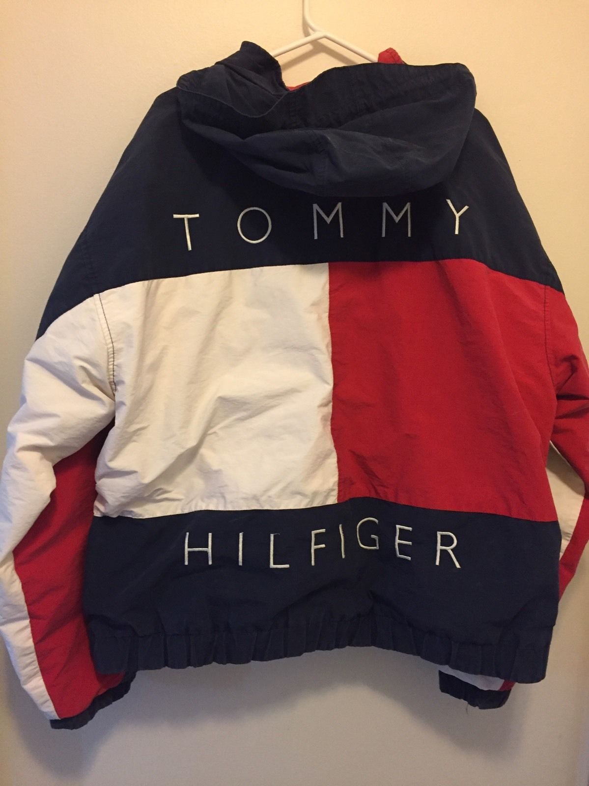 veste tommy hilfiger veste blouson tommy hilfiger homme jamont bleu marine sky captain dos zoom. Black Bedroom Furniture Sets. Home Design Ideas
