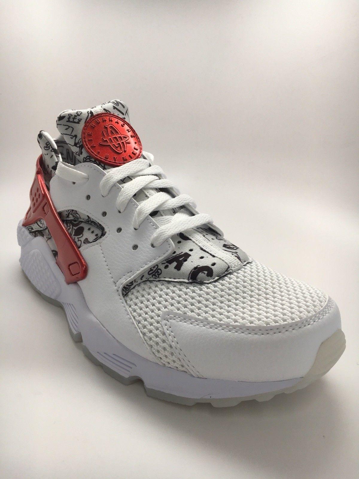 wholesale dealer 988d3 ca4e5 Des baskets Nike Air Huarache, run QS, pour le 25 ème anniversaire de la  marque, blanc, noir et rouge, pointure 41 - vendus à 199   !